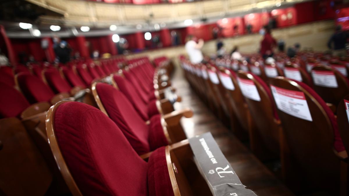 Madrid detecta un brote con 24 contagios en el Teatro Real en el elenco de una obra que se estrena este dia 19