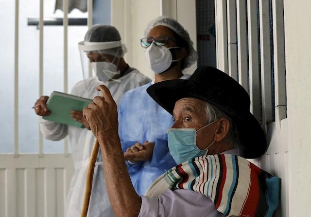 Colombia vive un aumento de contagios de covid-19 y aceleracion de vacunacion