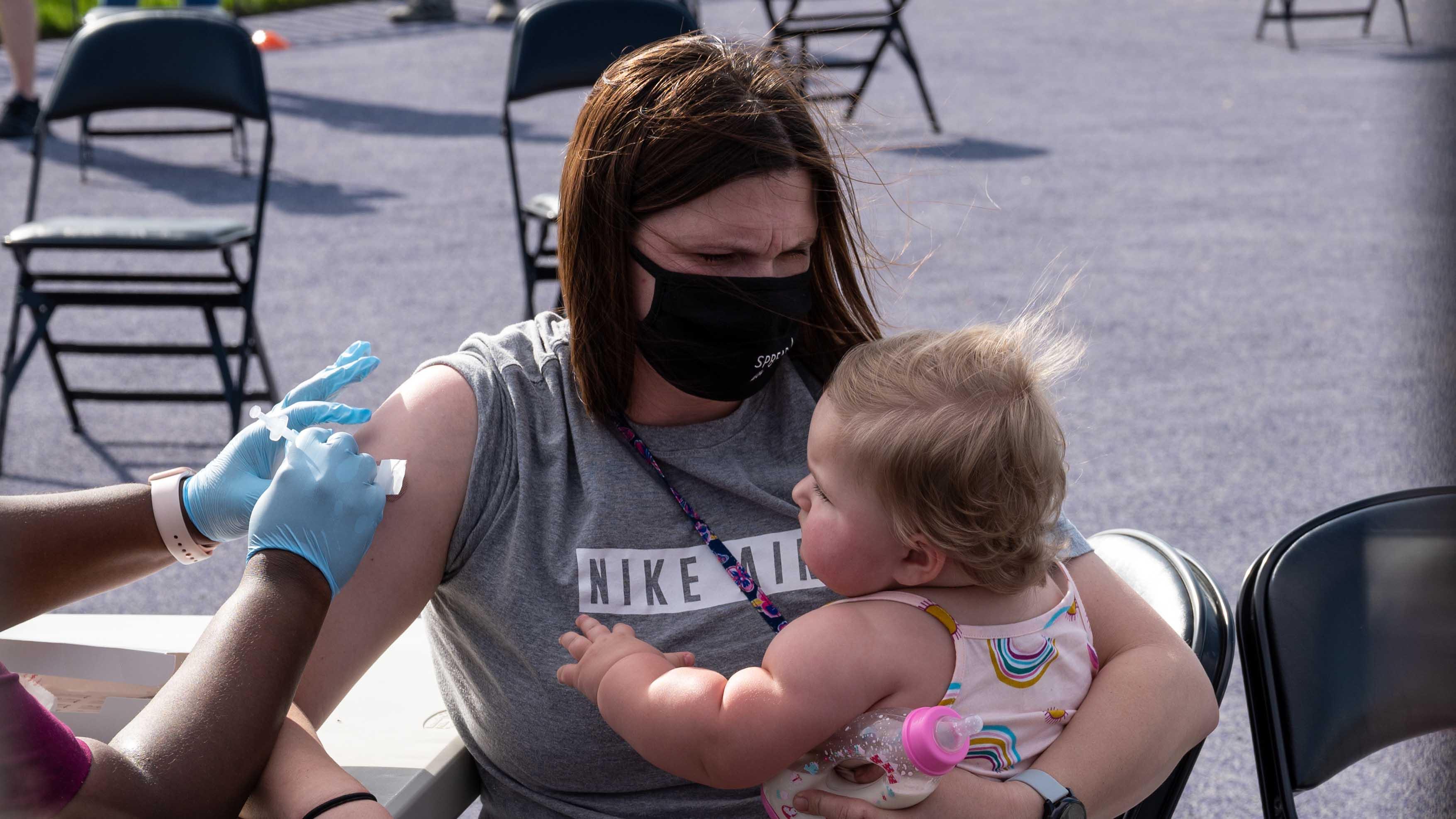 El 30% de la poblacion de EEUU esta completamente vacunada contra el COVID-19