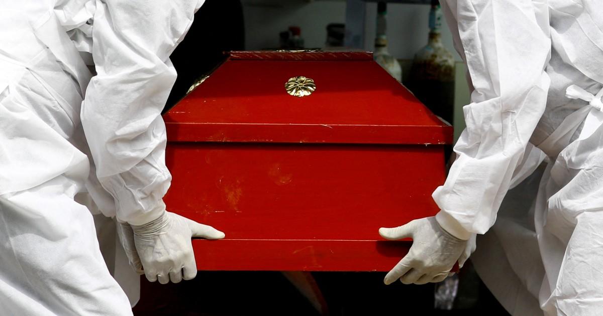 Vuelven a subir las muertes por COVID en Colombia: se reportaron 453 este viernes