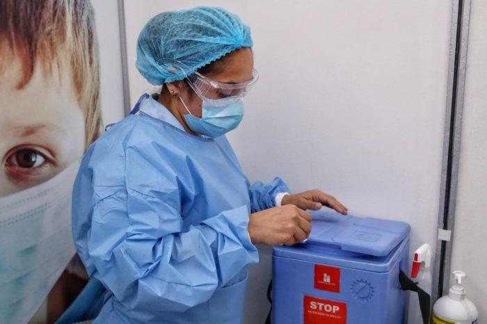 Otras 9.300 vacunas en cuarentena por posible afectacion en cadena de frio