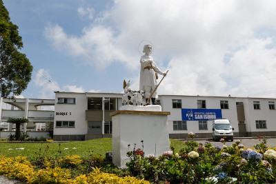El Hospital San Isidro sube a segundo nivel para sus usuarios