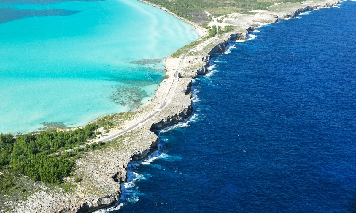 Bahamas impone un confinamiento total en varias islas por el auge de casos de COVID-19