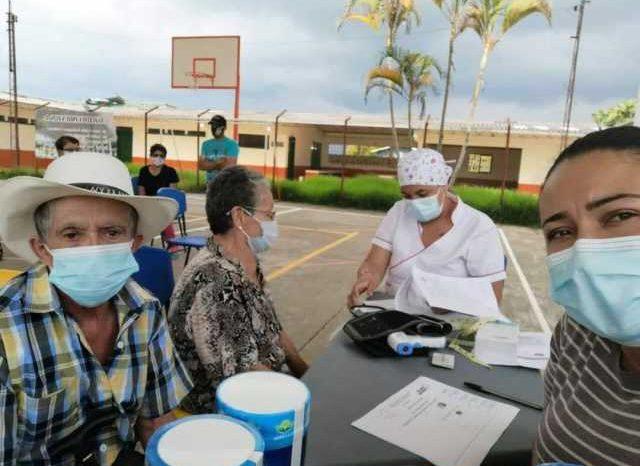 Atienden a 70 adultos mayores en Pacora