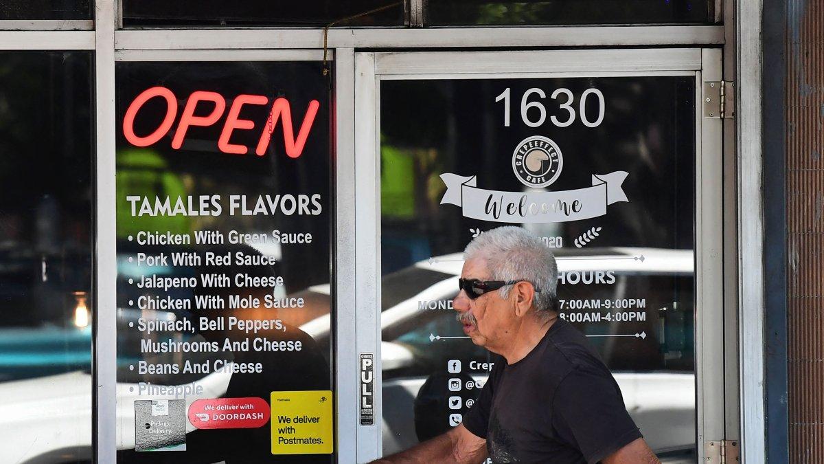 California tendra una reapertura total y sin restriccion de distanciamiento social a partir de junio