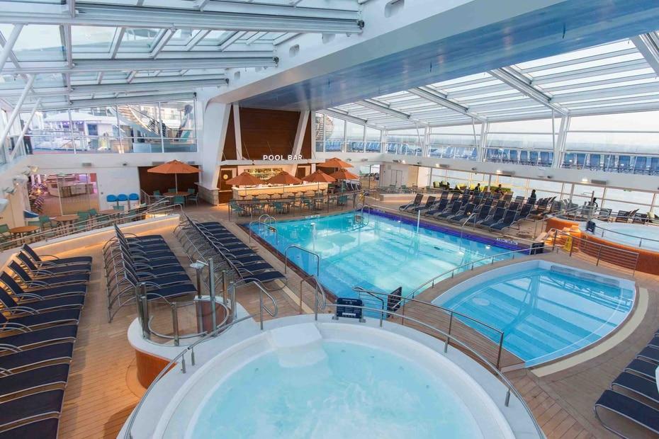 Quantum of the Seas | De Royal Caribbean. Con capacidad para 4,905 pasajeros y una longitud de 1,141 pies ofrece una experiencia similar al Oasis of the Seas. (GFR Media)