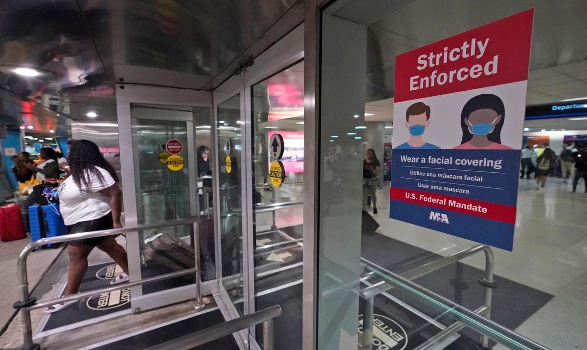 Sancionaran a pasajeros que no usen mascarillas en aviones