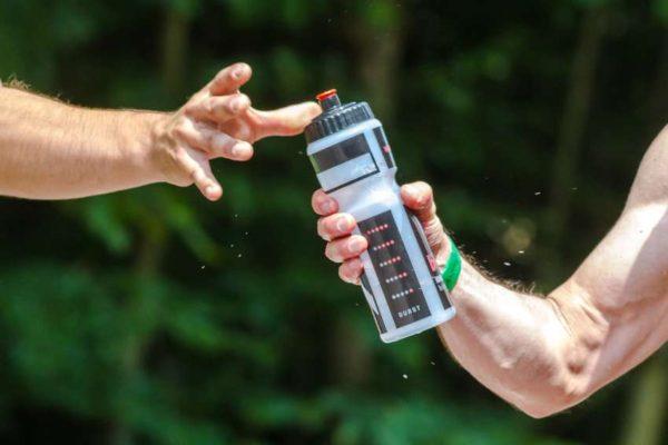 La importancia de una hidratacion adecuada y el consumo de agua segura