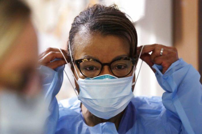 CDC ahora dice vacunados pueden dejar de usar mascarilla en lugares cerrados o abiertos