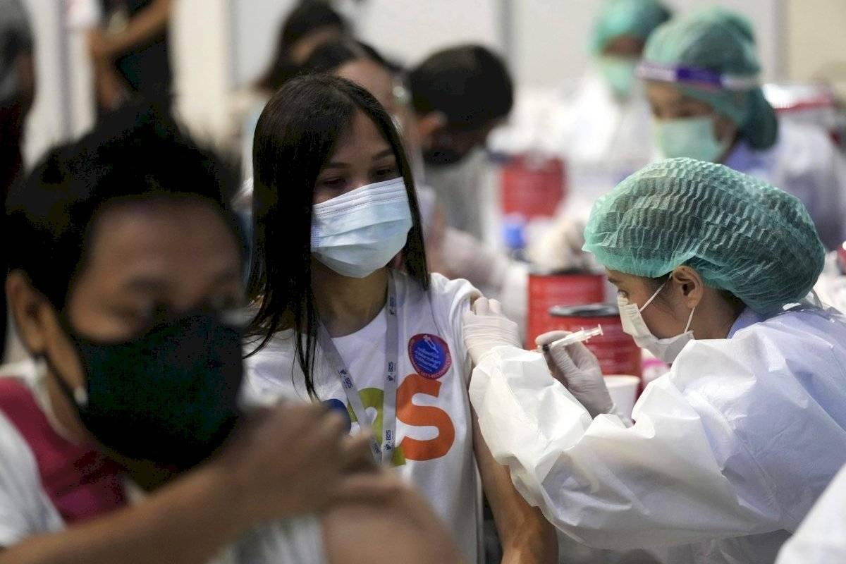 Tailandia redobla medidas contra virus por alza de contagios