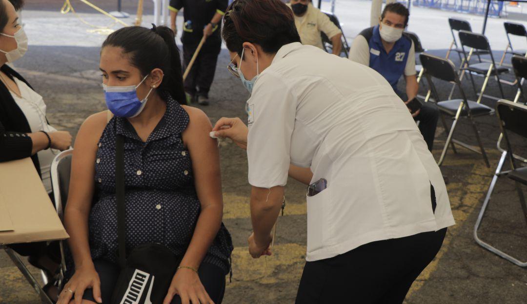 Colombia esta a un paso de aprobar la vacunacion en mujeres embarazadas