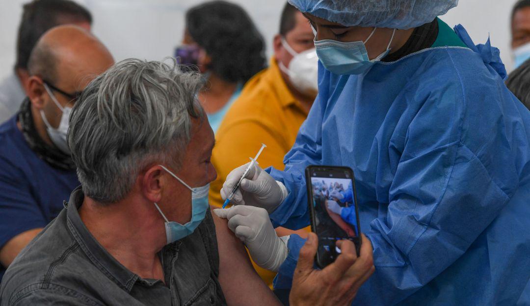 COVID-19: Colombia se acerca a las 12 millones de dosis aplicadas de vacuna