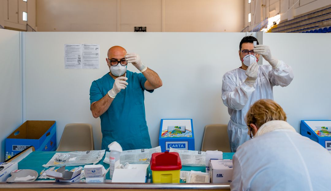 Colombia participara en el ensayo clinico de la vacuna de Sanofi