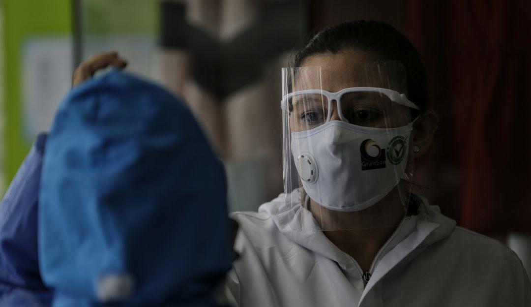 Colombia registro el dia con mas muertes por COVID-19