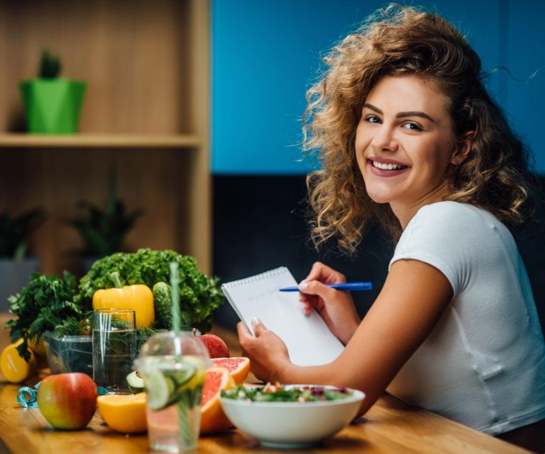 Seis estrategias de alimentacion saludable para aplicar cuando se trabaja en casa