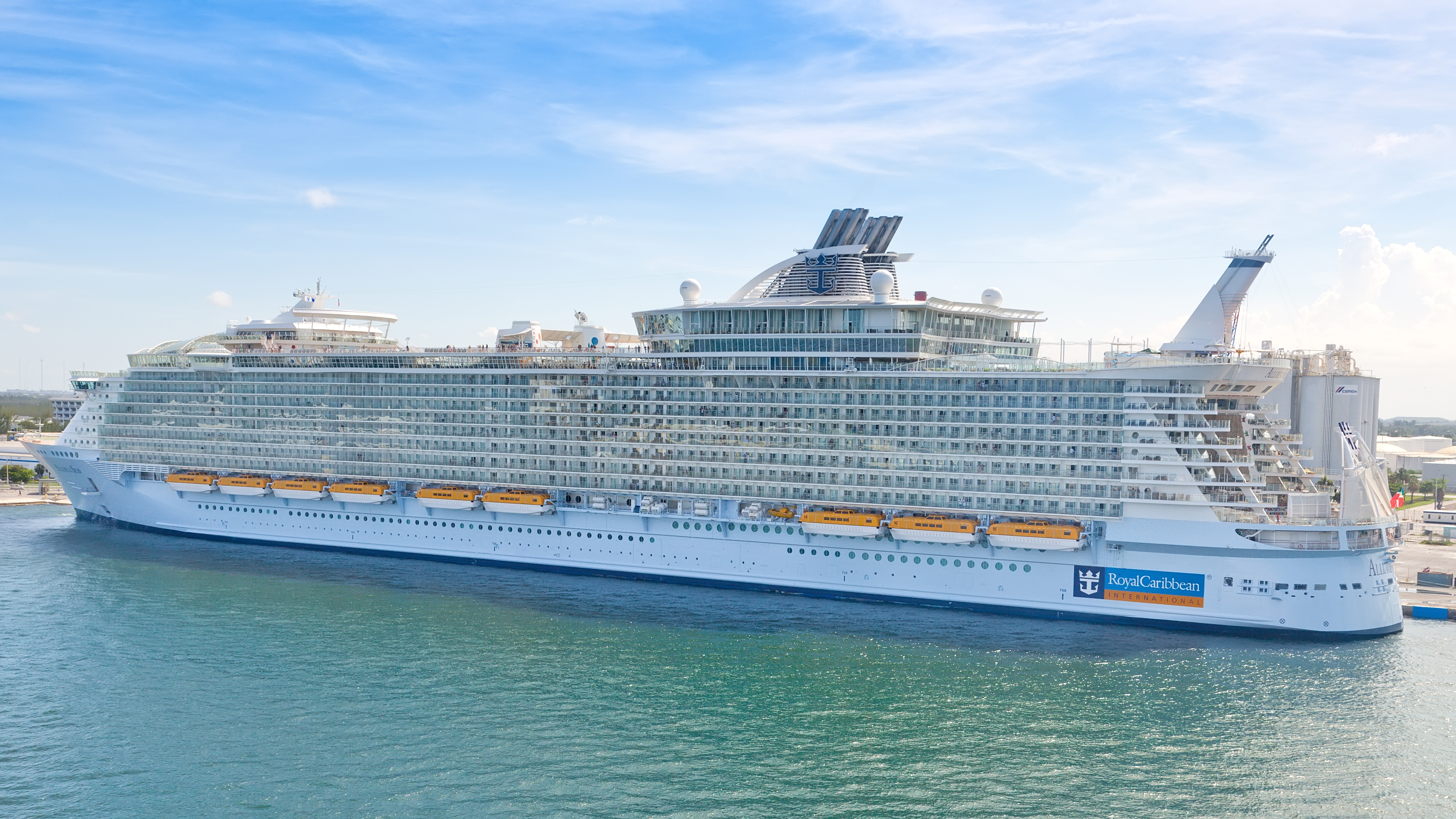 Cruceros de Royal Caribbean comenzaran a salir de puertos estadounidenses en julio