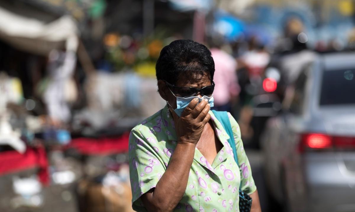 Republica Dominicana endurece el toque de queda por alto numero de contagios de COVID-19