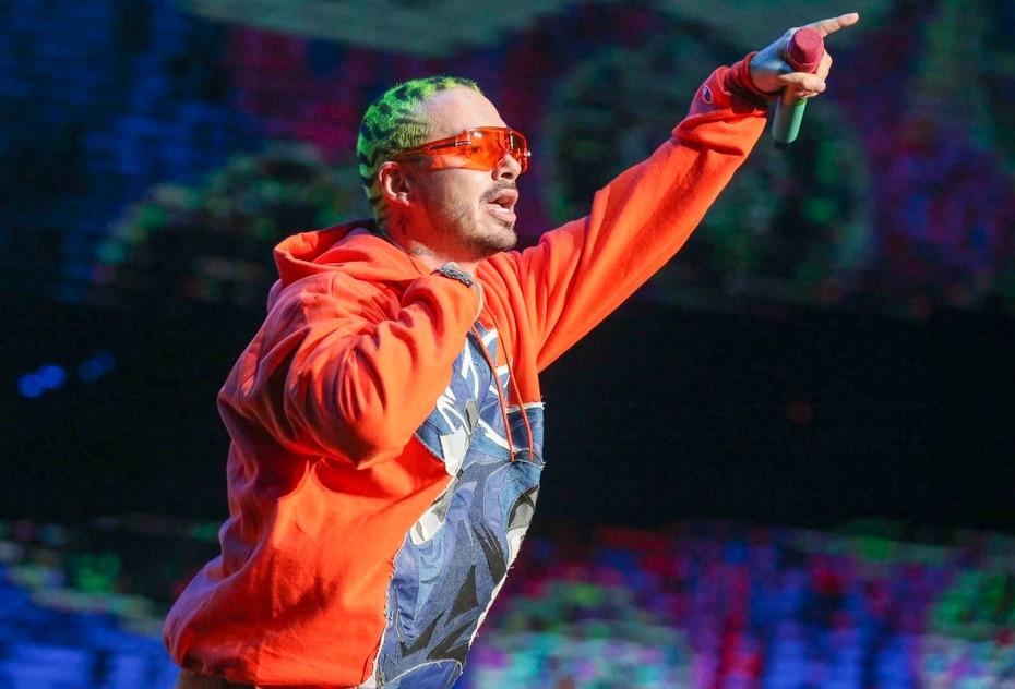 El colombiano se ha caracterizado por grandes juntes con los puertorriqueños Bad Bunny y Nicky Jam, asi como Wisin & Yandel y otros exponentes del genero urbano.