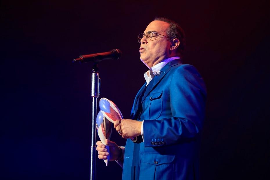 Gilberto Santa Rosa durante su participacion en el concierto