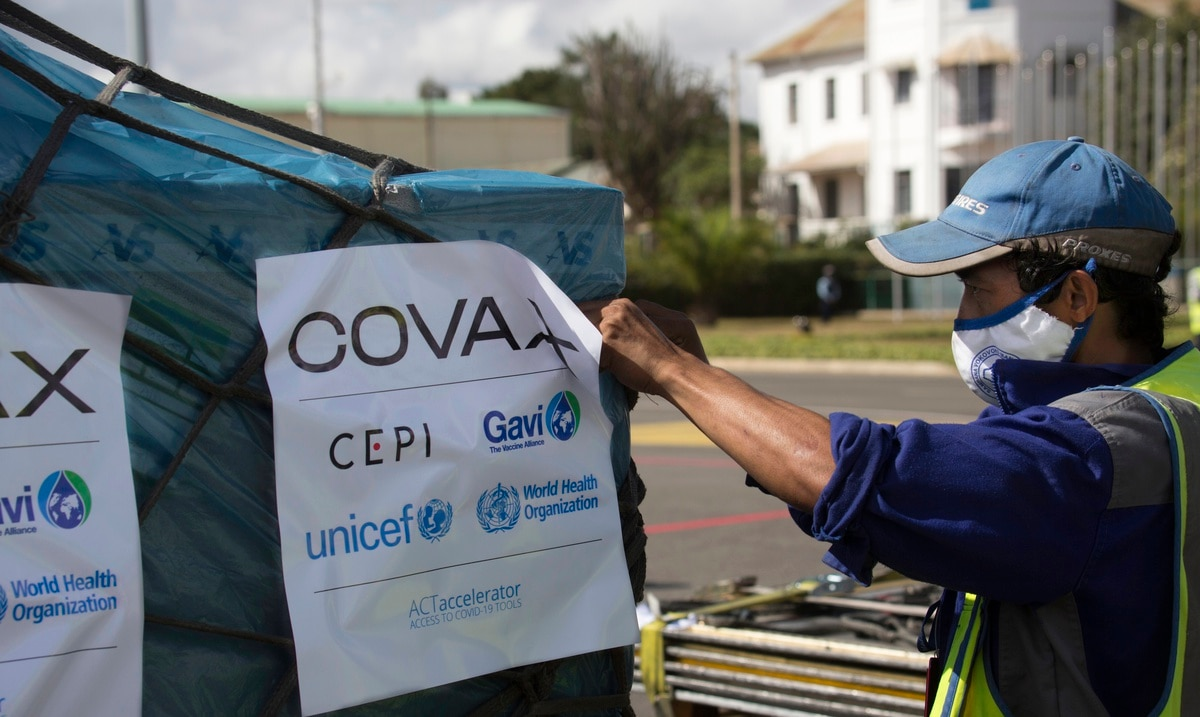 El secretario general de la ONU aplaude iniciativa de Estados Unidos de donar millones de dosis de vacuna