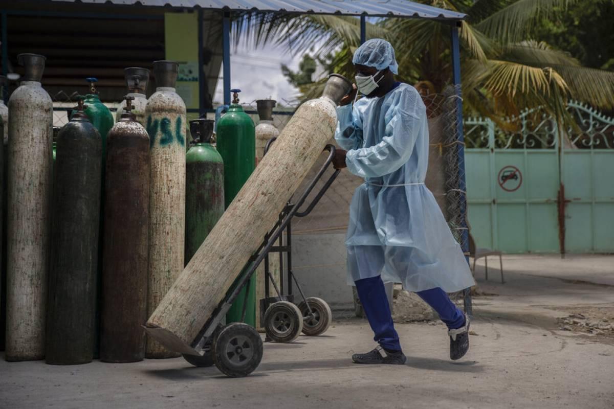 Ola de COVID-19 en Haiti, que no ha recibido una sola vacuna