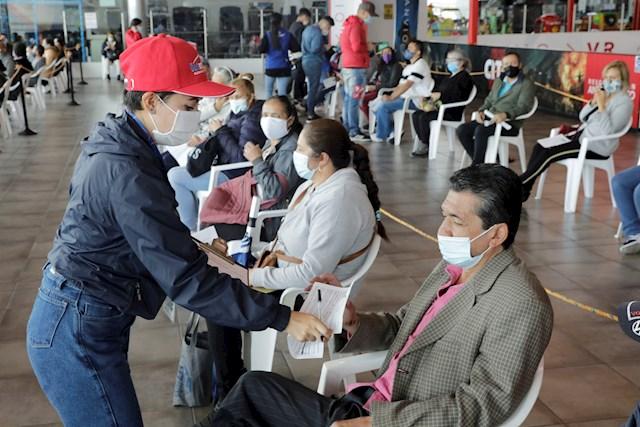 Colombia supera por primera vez la barrera de 30.000 casos diarios de covid-19