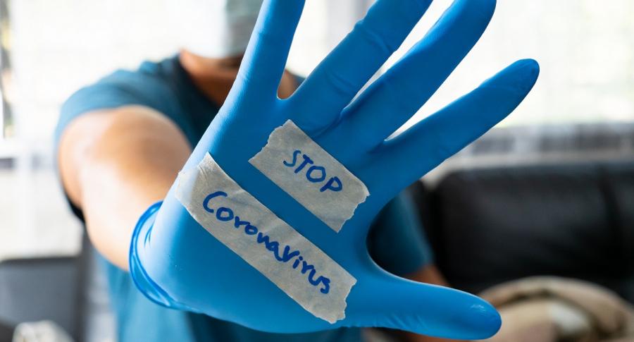"""""""No corran a urgencias con primer sintoma"""" de COVID-19, advierte medico, y dice cuando ir"""