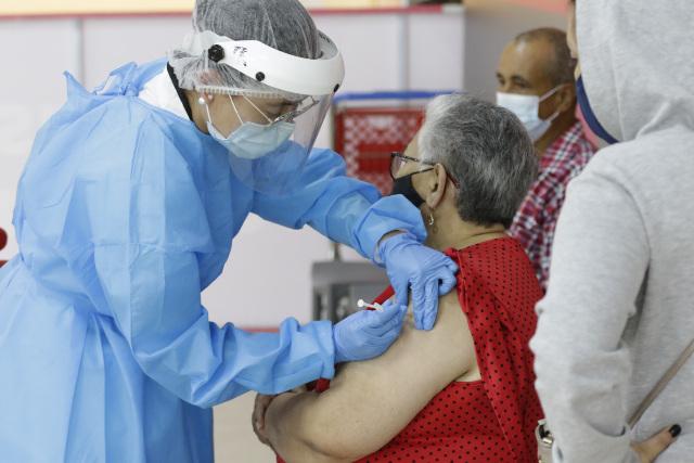 Esperan orden en vacunacion masiva en Manizales