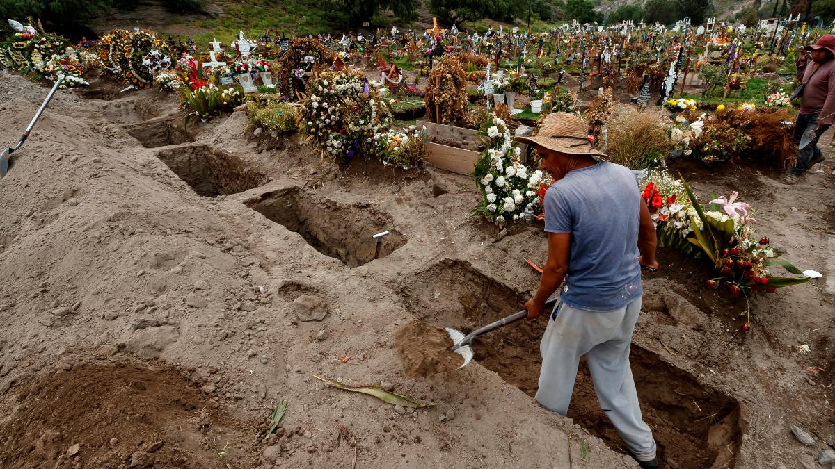El riesgo no termina: mas de 50 personas ya vacunadas, mueren por COVID-19 en Mexico