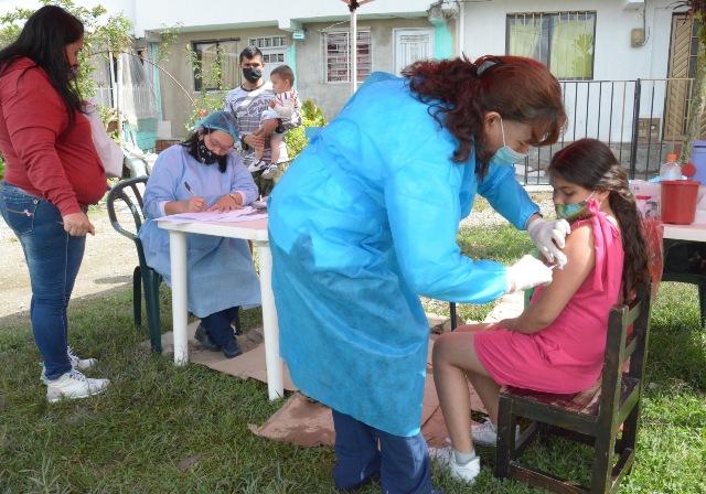 Vacunacion contra el sarampion antes de clases va por los barrios de Manizales