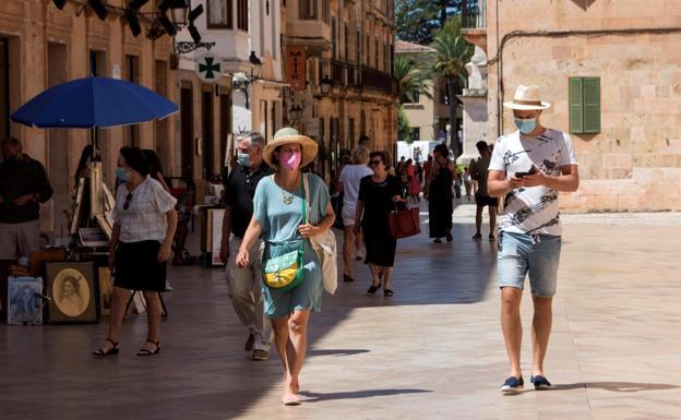 Francia desaconseja a sus ciudadanos viajar a España y Portugal por la nueva ola