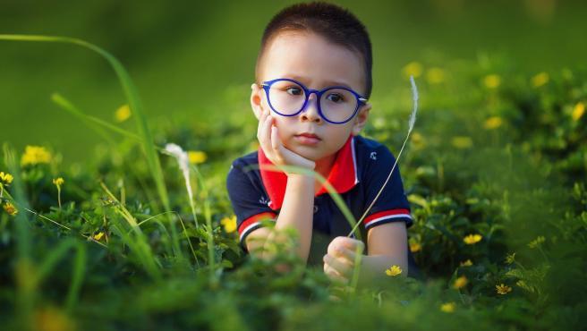 La miopia progesa rapidamente durante la infancia, sobre todo entre los 8 y los 2 años.