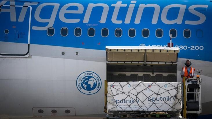 Record de cantidad de vacunas cargadas en un solo vuelo: en la madrugada arribaran 1.141.000 dosis del componente 1 de Sputnik V