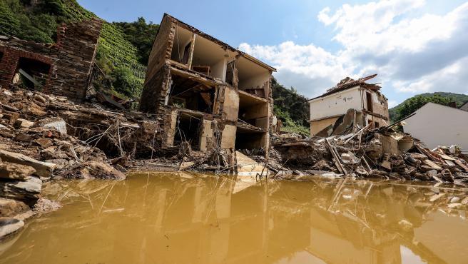 Vista general de las casas destruidas tras la crecida del rio Ahr, en Mayschoss, en el distrito de Ahrweiler, Alemania, el 22 de julio de 2021.