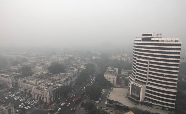 Nube de contaminación sobre Nueva Delhi, en India. /EFE