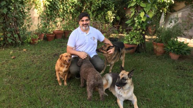 El experto en emergencias sanitarias y etologia canina Juan Luis Castellvi.